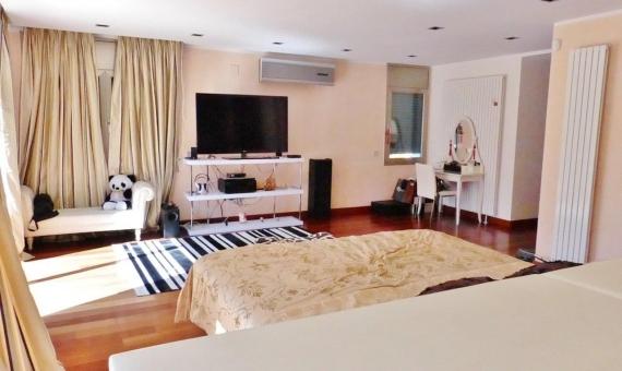 Luxury villa on the 2-nd sea line | 12722-6-570x340-jpg