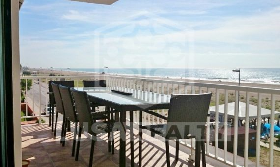 Renovated flat with terrace and direct access to the beach in Castelldefels | 2272-12-570x340-jpg