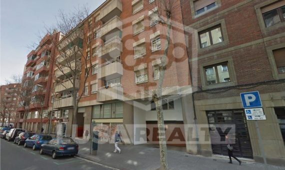 Commercial property of 560 m2 without tenant for sale in area Arc de Triomf | 0-lusacommercialspacesalebarcelonapng-570x340-png