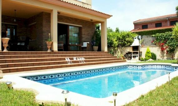 House for the permanent residence on sale in Vilanova i la Geltruacute | 3720-15-570x340-jpg