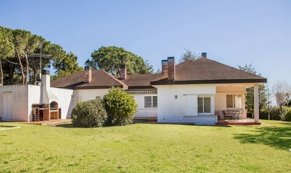 Family house with big plot and pool in guarded urbanization in Sant Andreu de Llavaneres   5268-0-570x340-jpg