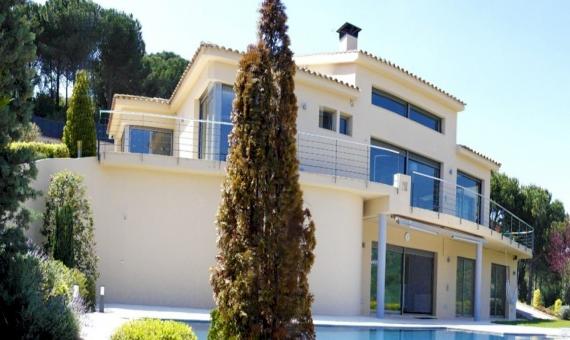 Modern villa on the plot of 2000 m2 on sale in the prestigious area of Sant Andreu de Llavaneres   7358-8-570x340-jpg