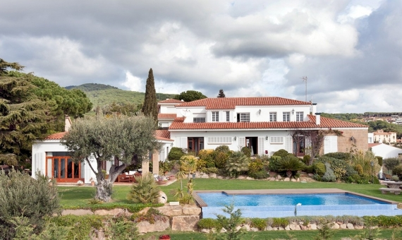 Villa on sale in guarded urbanization of Sant Vicenç de Montalt | 9334-6-570x340-jpg