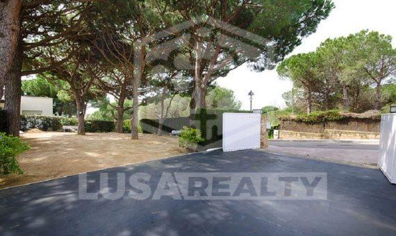 Villa with sea views on a big plot on sale in Sant Andreu de Llavaneres   9517-10-570x340-jpg