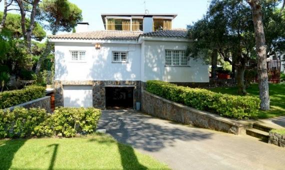 Beautiful house with a mini farm in Castelldefels | 9952-5-570x340-jpg