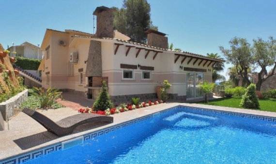Comfortable home on the Mediterranean Sea in a luxury urbanization Cala St. Francesc | 1-2-570x340-jpg