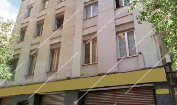 Residential building under complete reconstruction in Sants-Montjuic area   111-1-570x340-png