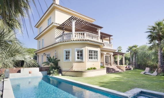 House 600 m2 on the seafront in Gava Mar | 1i4a0991-copia-570x340-jpg