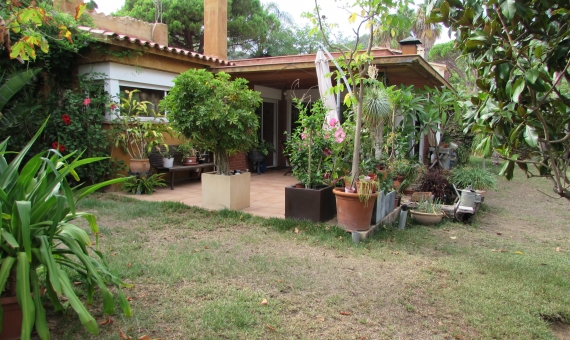 House with a flat plot of 850 m2 in Blanes | img_0009-570x340-jpg