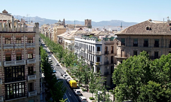 Building 1.004 m2 for sale in Les Corts, Barcelona   shutterstock_441211660-570x340-jpg