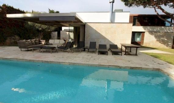 Cozy villa for summer rent  with private  swimming pool in La Gavina, S'Agaro | 020-pool-570x340-jpg