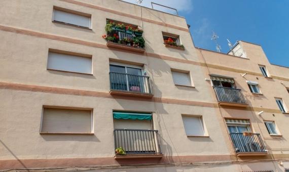 Building in Sants for sale   shutterstock_375859324-570x340-jpg