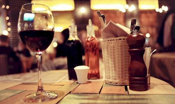 For sale restaurant in the center of Gracia, Barcelona | shutterstock_406673770-570x340-jpg